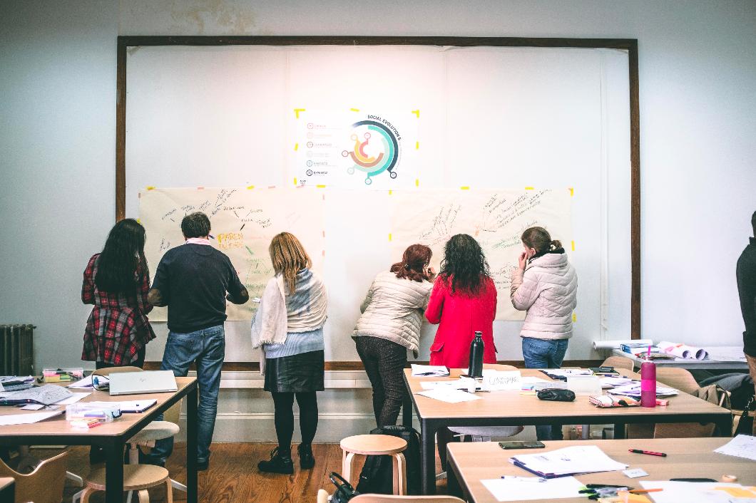 Programa de Aceleração e Ideação – Design Thinking para a Inovação Social | Projeto Adélia